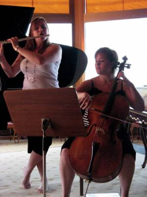 Anna Wigan and Emily Hurrell of the Elina Trio